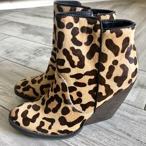 Leopard Wedges, Size 7